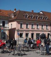 Kavarnica na Glavnem trgu