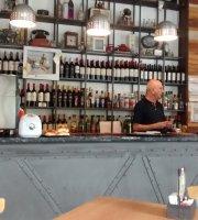 Soho Bar & Resto