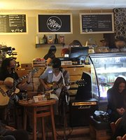 Let it Be Cafe