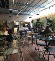 Mephisto Bookstore & Cafe - Beyoglu