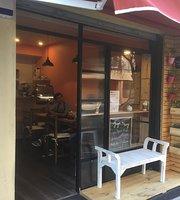 Cafe La Moma