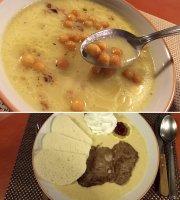 Manna óriáspalacsinták és kemencés ételek