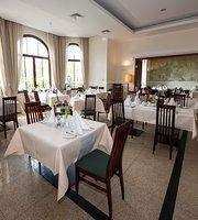 Hotel Atrium Restaurant