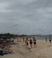 Wah Wah Beachbar