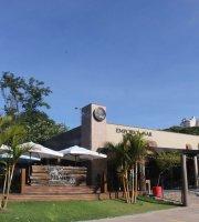 Santo Parque American Burger Bar