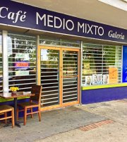 Medio Mixto Cafe & Galeria
