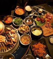 笨豬跳韓式燒肉 台中總店