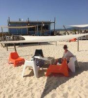 Camaleao Beach Bar