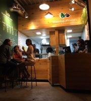 Samba Fresh Poke & Juice Bar