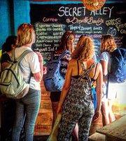 Cafe Secret Alley