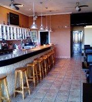 Edinas Bar & Grill