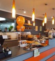 Watt's in Bundalong Cafe
