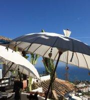La Cupula Lounge