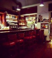 Ris Cafè Pub & Restaurant