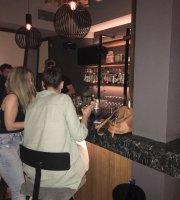 Yoshi Sushi Bar
