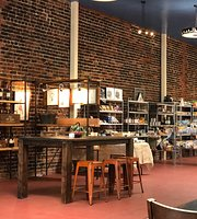 Myrtle Tree Garden Cafe & Market