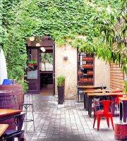 Vermuts Rofes Restaurant
