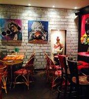 Diane's, Bar à Potes