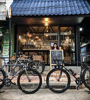 Top Tube Bike & Cafe'