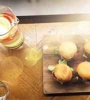 Metoa Cafe & Kitchen