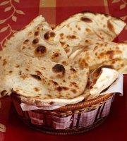 Swaad Indiai Fast Food Restaurant