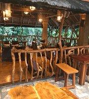 Vilus Barefoot Restaurant