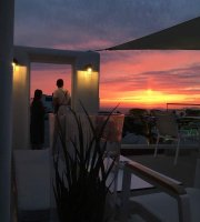 Tramonto All Day Lounge - Oia Santorini