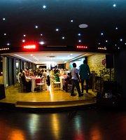 Muzika Seafood Restaurant & Grill