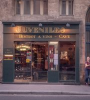 Juveniles Wine Bar