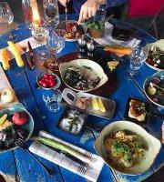 Kitchen & Table Madla