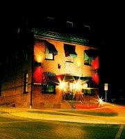 Bully's Restaurant & Pub