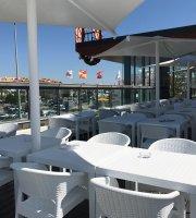 QINAMI Restaurant & CoffeeShop