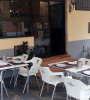 Seis Peniques Bar Restaurant