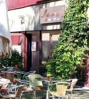 Cafe in der Festung