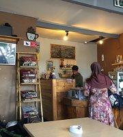Yombex Cafe