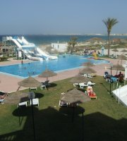 looking for normal chill girl in monastir