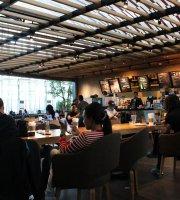 Starbucks Bandara Makassar