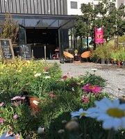 Del Jardin Emporio y Cafe