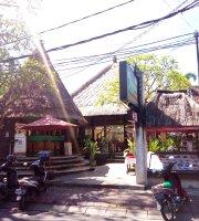Laguna Garden Restaurant Mengiat