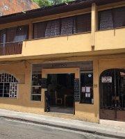 Josefina cafe tienda