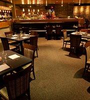 Stoney Nakoda Resort - Ridge Restaurant & Sidelines Lounge