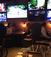 Clutch Kitchen and Sports Bar