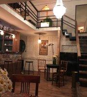 Cafe Volver