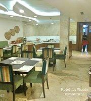 La Woods Hotel Restaurant