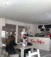 Frau Antje's Café und Pfannkuchenhaus