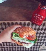 T.T. Burger - Centro