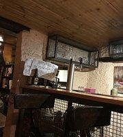 B&L Piano Pub