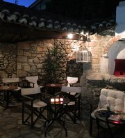 Cafe Bar Paralis