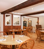 Tucker Hill Inn, Restaurant