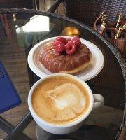 Benchwarmer's Coffee & Doughnuts